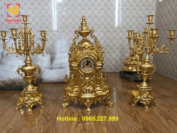 Đồng Hồ mặt Quỷ cao 61cm dát vàng 9999 độc đáo ấn tượng