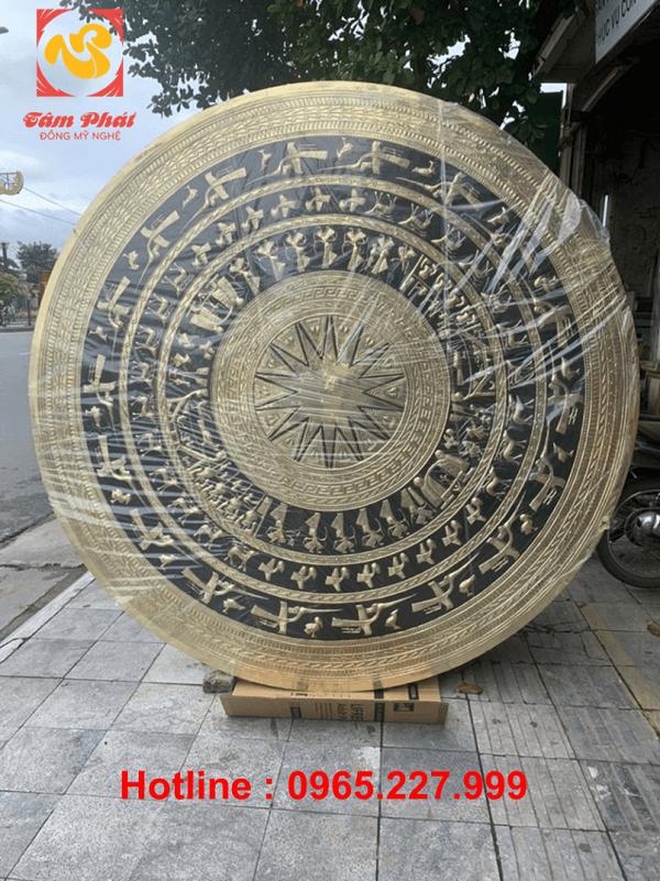Mặt trống đồng phong thủy bằng đồng vàng đường kính 2m2