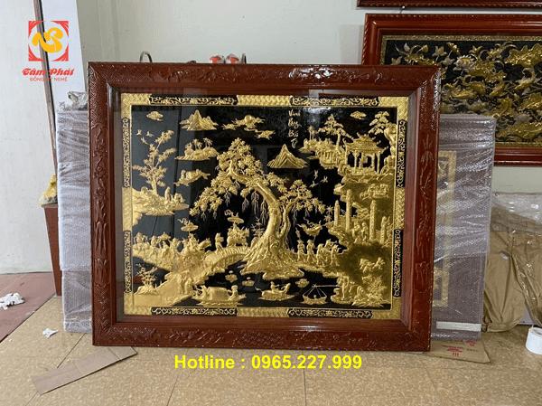 Tranh Vinh Quy Bái Tổ bằng đồng mạ vàng 24k kích thước 1m8x1m8