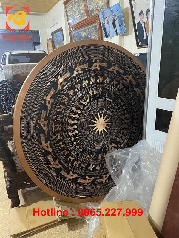 Mặt trống đồng đỏ đúc đường kính 1m6 nặng 200kg bàn giao công an tỉnh Quảng Ninh