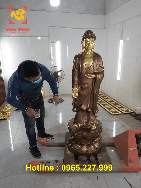 Tượng Phật ADiDa đứng bằng đồng cao 1m55 đẹp tôn nghiêm