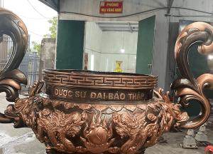 Lư hương bằng đồng đỏ cạo màu cao 1m6 trọng lượng 400kg